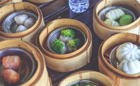 中国語で「いただきます」「ごちそうさま」はない?食事の時に使える表現やマナーを紹介!